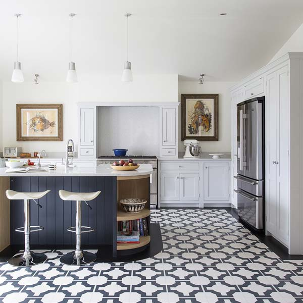 Black Vinyl Kitchen Flooring: Amelia Widell